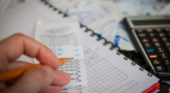 Indépendant qui calcule ses impôts